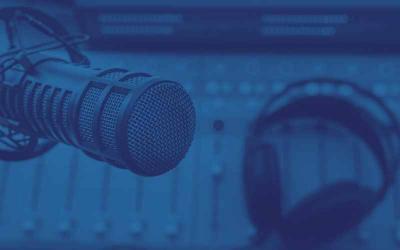 Hvad er en podcast host?